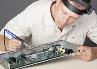 electrical and electronic engineering technicians image