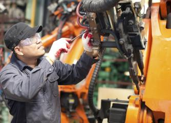 industrial machinery mechanics and maintenance workers image